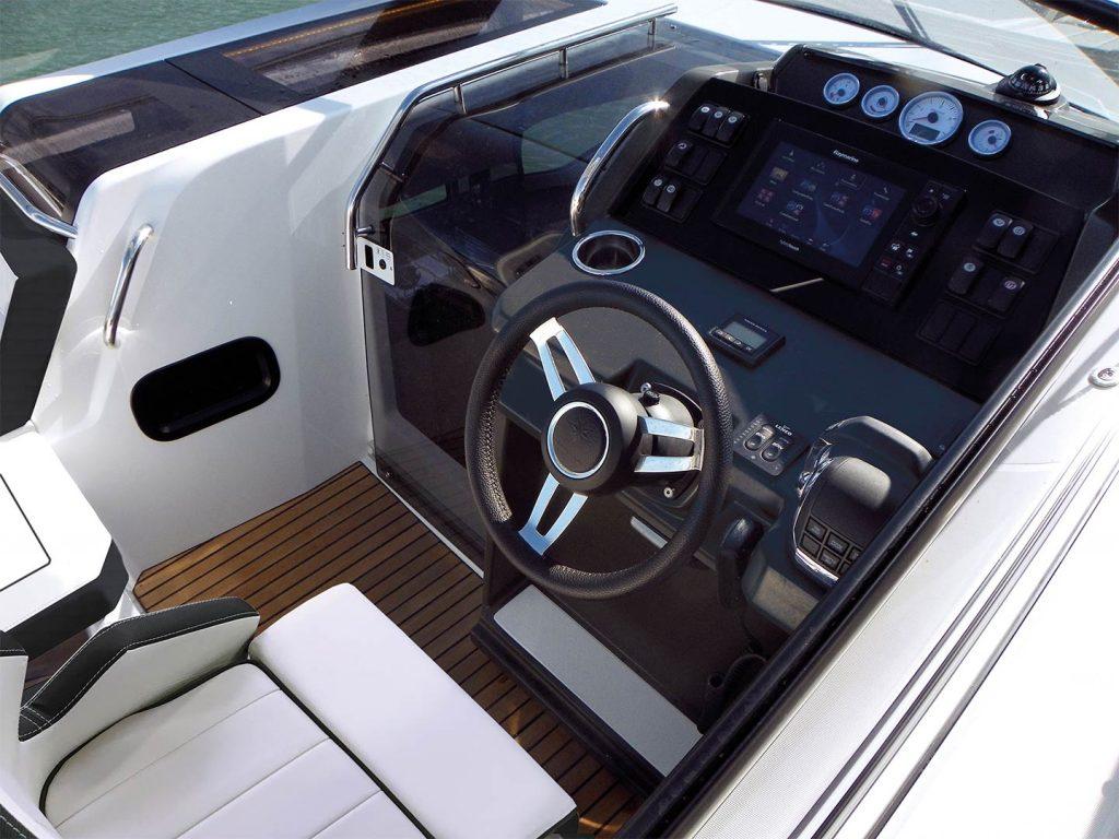 Jeanneau-Leader30-boat_sales-exterior-1